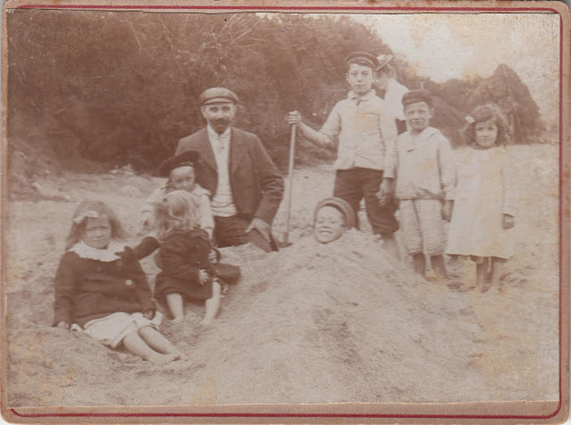 Edwardian Children at Beach 35