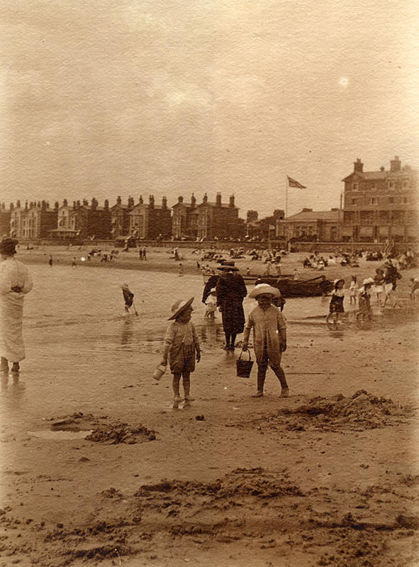 Edwardian Children at Beach 8