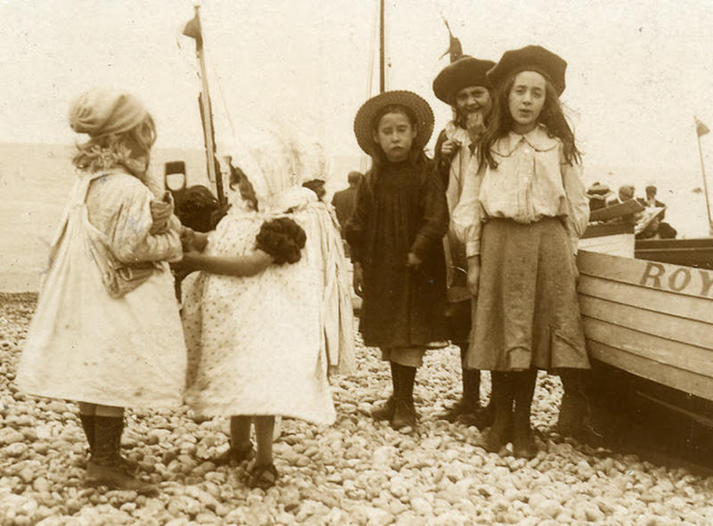 Edwardian Children at Beach 9