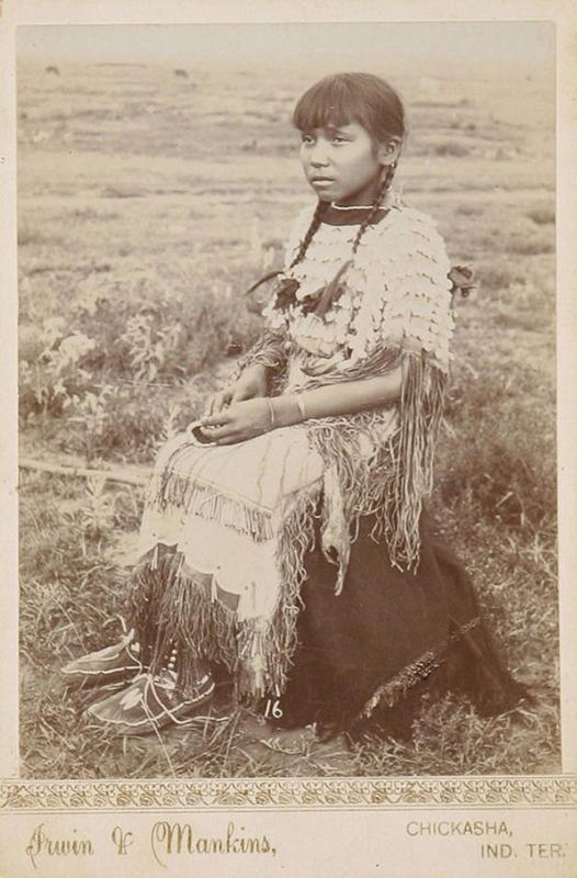 native-american-girls-portraits-25