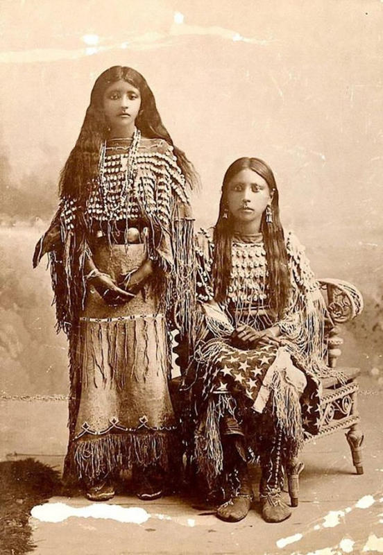 native-american-girls-portraits-21