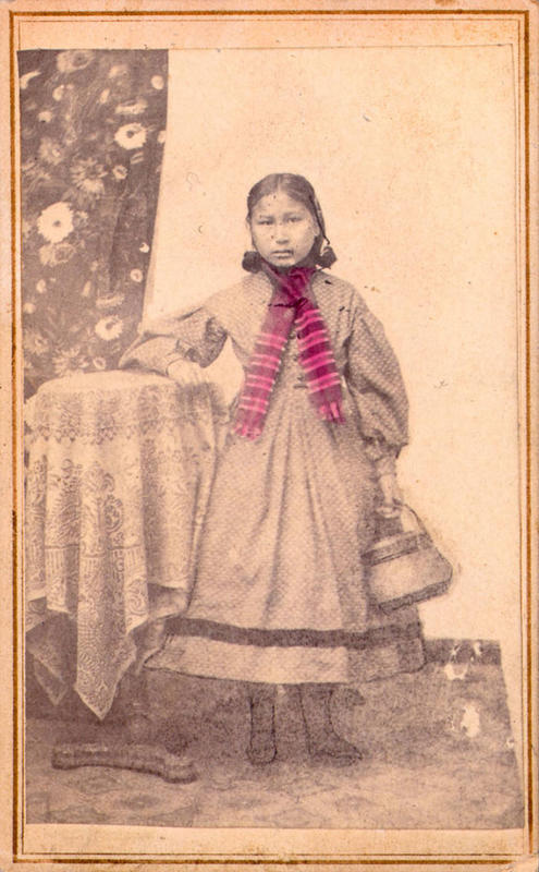 native-american-girls-portraits-31