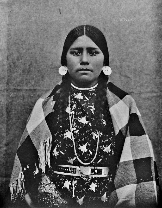 native-american-girls-portraits-29