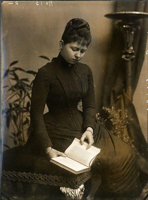 victorian-girls-and-their-books-4