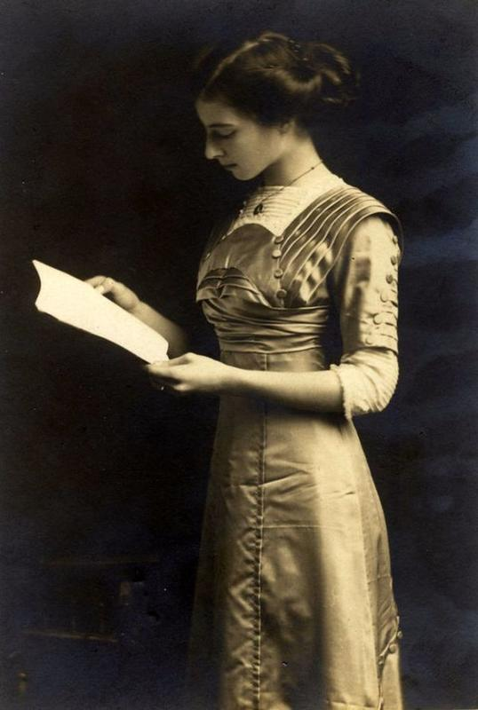 victorian-girls-and-their-books-12