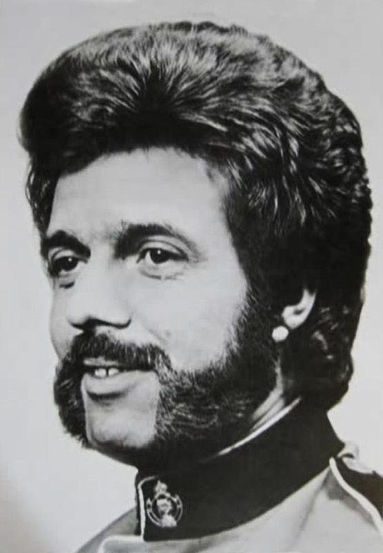 70s-men-hairstyle-14