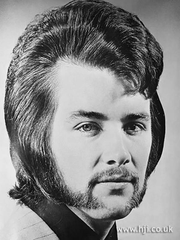 70s-men-hairstyle-24