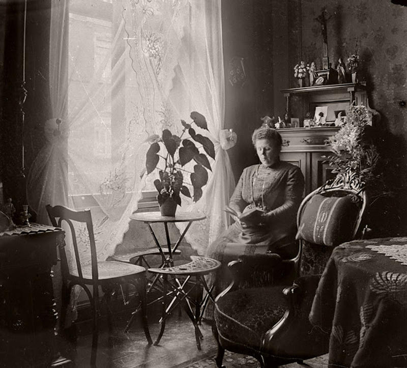 Our Living Room Over The Years: Photos Of People In Their Victorian-Edwardian Living Room