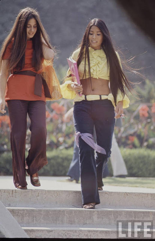 high-school-fashions-in-1969-12