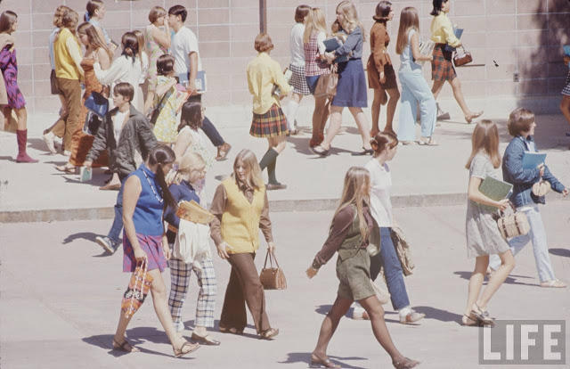 high-school-fashions-in-1969-17