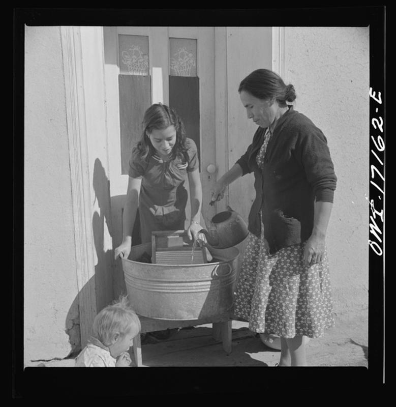 laundry-day1930s-7