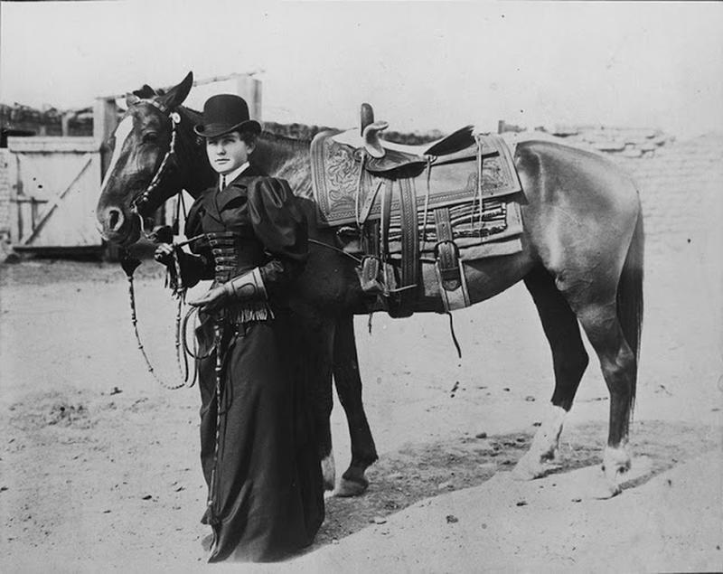 Cowgirls in the early 20th century (10)