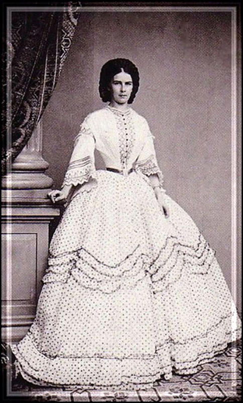 Victorian-Women-Fashion-16