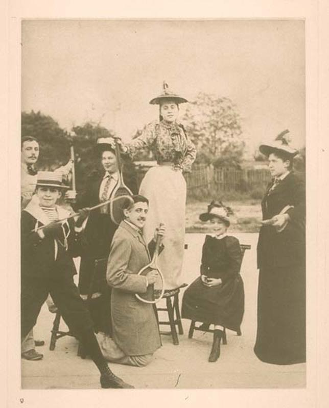 Marcel-Proust-playing-air-guitar-on-a-tennis-racket-circa-18921