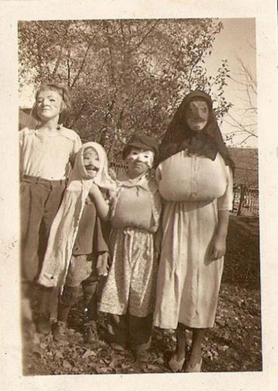 Vintage-Halloween-Photo-18