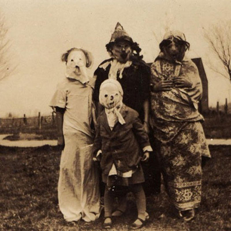 Vintage-Halloween-Photo-13