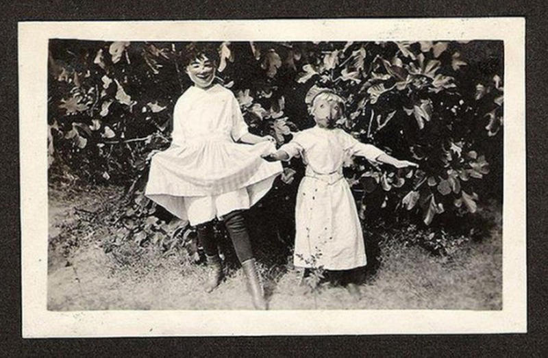 Vintage-Halloween-Photo-2