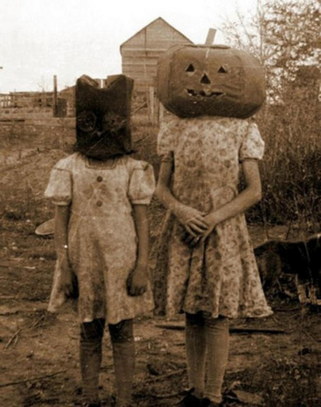 Vintage-Halloween-Photo-11