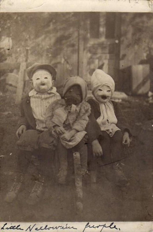 Vintage-Halloween-Photo-10