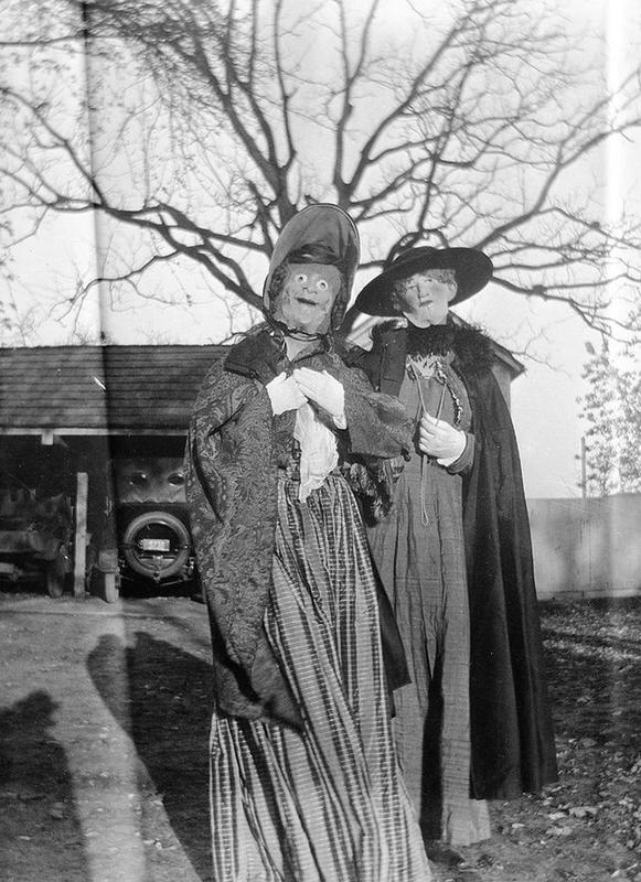 Vintage-Halloween-Photo-25