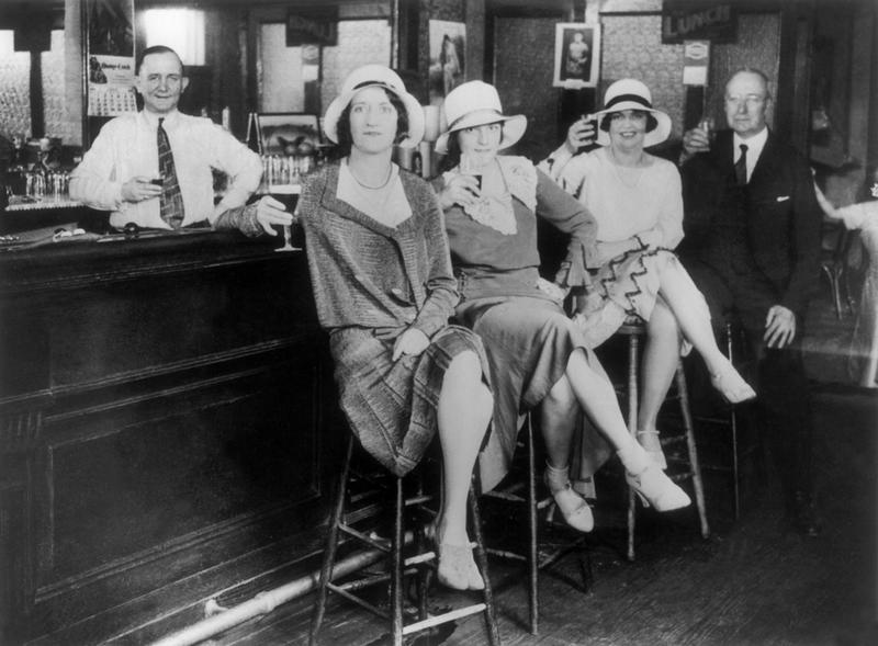 How Flappers Invented The Modern Woman  History Daily-2348